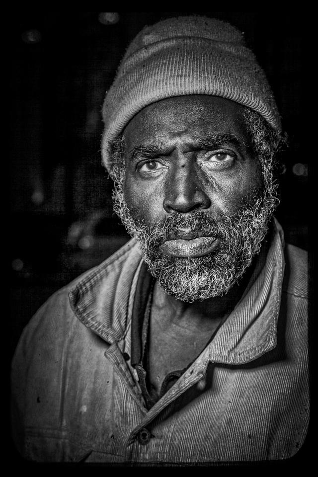 Lamont $3 portrait
